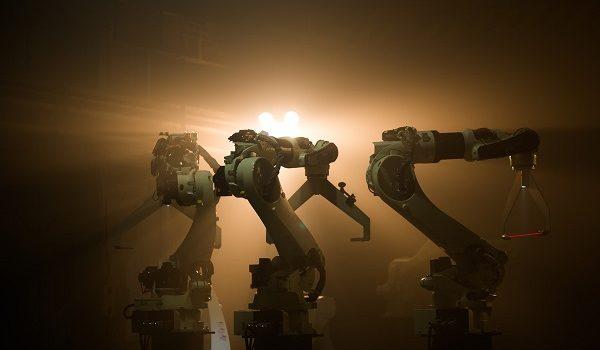 Podczas tegorocznego konkursu Eurowizji można było obejrzeć m.in. spektakularny taniec robotów. Podobną realizację przygotowała wcześniej marka Kawasaki. Zgranie ruchów maszyn z muzyką, współpraca z tancerzami, opracowanie synchronicznego układu – to […]