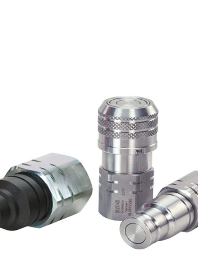 Szybkozłącza hydrauliczne Eaton z serii Flat Face (z płaską powierzchnią czołową) zapewniają operatorom maszyn samojezdnych skuteczność i niezawodność w zastosowaniach wysokociśnieniowych
